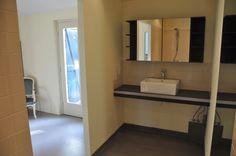 Vakantiehuis Auberge Le Barrage: Interieurfoto's - (rolstoelvriendelijke) slaap/badkamer op de begane grond