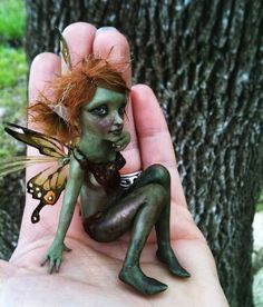 A tiny green faerie - this is more like it!