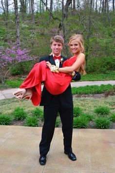 Uniquely Sarah Prom Picture ideas Contrarian Babs Bibb Maxi Dress Red Prom dress