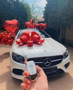 Date reiche Frau – For my Queen – Super Autos Mercedes Auto, Mercedes Benz Autos, Mercedes Sport, Bmw 760li, Bmw I8, My Dream Car, Dream Cars, Ford Transit Custom, C 63 Amg