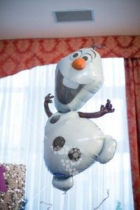 #olaf Olaf, White Flowers, Party Themes, Snowman, Disney Characters, Snowmen
