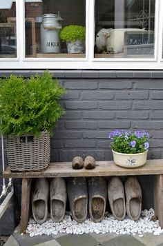 **beetje het landlevengevoel** little country life feeling Dutch Gardens, Small Gardens, Outdoor Gardens, Farm Lifestyle, Farms Living, Enchanted Garden, French Country Decorating, Garden Styles, Rustic Style