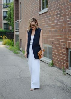 Outfits ideas & inspiration : Today you will learn the best ideas on how to wear a Vest - Fashion long vest, Looks with long vests 2019 - outfit long beige vest, outfit long Sleeveless Blazer Outfit, Long Vest Outfit, Long Vest Sleeveless, White Vest Outfit, Strapless Jumpsuit, Summer Work Outfits, Casual Work Outfits, Office Outfits, Casual Pants