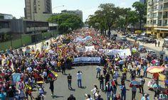 #19M VALENCIA hermosa hoy, y una de las más reprimidas por la brutal violencia del régimen: pic.twitter.com/yOScmgA6HI