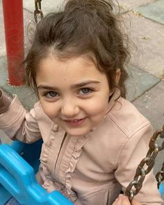 Cute Baby Girl Pictures, Boy Pictures, Angel Pictures, Cute Little Baby Girl, Baby Love, World's Cutest Baby, Cute Baby Girl Wallpaper, Cute Babies Photography, Beautiful Babies