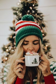 cozy Christmas pictures hot chocolate cute Instagram