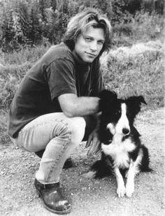 Jon Bon Jovi and a Border Collie! ❤ from Moonlight & Valentino movie Jon Bon Jovi, Bon Jovi 80s, Man And Dog, Collie Dog, Collie Puppies, Mans Best Friend, Famous People, Beautiful Men, Corgi