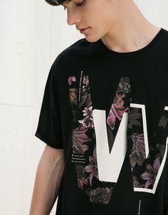 Camiseta estampado y texto - Camisetas - Bershka España
