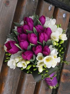 Tulip Bouquet Discover A bouquet of purple flowers The best free jigsaw puzzles online! Dark Flowers, Simple Flowers, Beautiful Flowers, Purple Wedding Bouquets, Flower Bouquet Wedding, White Bouquets, Greenery Bouquets, Bouquet Flowers, Freesia Bridal Bouquet