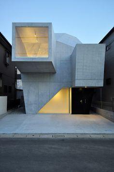 minimalistische Architektur- sklupturales Betonhaus in Japan
