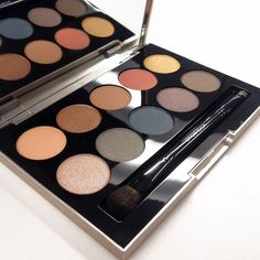 the NEW Heat Wave Eye Shadow Palette from @smashboxcosmetics, a 10-shade summer palette with brush!! ❤