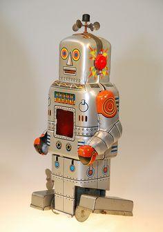 Vintage SY Toys Sparky Tin Wind-Up Robot, via Flickr.