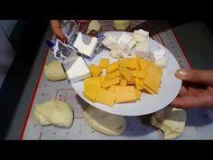 Mini pain à la semoule fourré au fromage - YouTube Mini Pains, Dairy, Cheese, Youtube, Brioche Bread, Practical Jokes, Moroccan Cuisine, Bakery Business, Salt