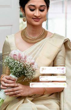 New bridal saree necklaces ideas White Saree Wedding, Kerala Wedding Saree, Indian Wedding Gowns, Indian Bridal Fashion, White Bridal, Wedding Sarees, Christian Wedding Dress, Christian Bridal Saree, Christian Bride