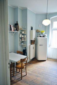 Kitchen in a stylish old Berlin apartment - Kitchen in a stylish old Berlin apartment - Kitchen Interior, Interior Design Living Room, Kitchen Decor, Berlin Apartment, Cosy Home, Interior Inspiration, Home Kitchens, Interior Architecture, Living Spaces
