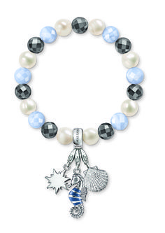 At the THOMAS SABO Online Shop you will find high quality Sterling silver jewelry, elegant watches and beauty products for her and him. Jewelry Accessories, Fashion Accessories, Elegant Watches, Thomas Sabo, Sterling Silver Jewelry, Swarovski, Fragrance, Arm Candies, Charmed