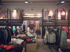 #ladiesfashion #fashion #styling #visualmerchandising #vm #retail #store #retaildisplay