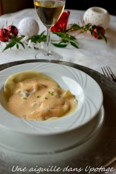 Ravioli of langoustines and its emulsified bisque, Lobster Ravioli, Ravioli Soup, Shrimp Risotto, How To Cook Fish, Pinterest Recipes, Food Inspiration, Entrees, Tapas, Pasta