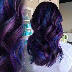 Stunningly Styled Unicorn Hair Color Ideas – My hair and beauty Purple Hair Highlights, Blue Purple Hair, Oil Slick Hair, Unicorn Hair Color, Pretty Hair Color, Coloured Hair, Dye My Hair, Crazy Hair, Ombre Hair