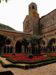 Abbaye de Fontfroide, Cloister | Flickr: Intercambio de fotos