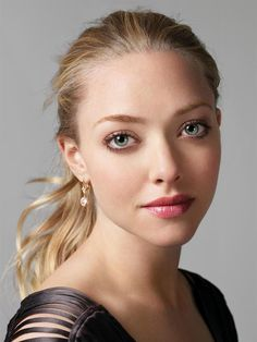 Amanda Seyfried... I have a major crush on this girl.