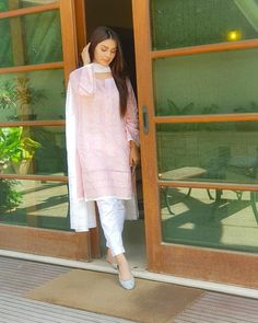 Ayeza khan white dress collection ❤in. ✨**unique in white** board created by **Haya Maik** ✨ Simple Pakistani Dresses, Pakistani Fashion Casual, Pakistani Dress Design, Pakistani Outfits, Indian Outfits, Pakistani Kurta Designs, Pakistani Clothing, Indian Dresses, Stylish Dresses