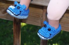 FREE Crochet Pattern by Me, My Purse & The Boys: Hippo Booties
