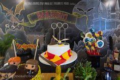 Olha como ficou linda essa Festa Harry Potter. Decoração Silvia Roveri Eventos. Lindas ideias e muita inspiração! Bjs, Fabiola Teles.  ...