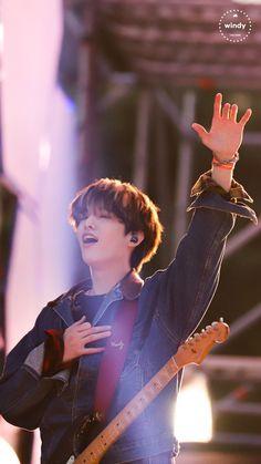 """jae did this iconic gesture last manila con i hope someone took a pic 😭😭😭pahingiii"" Jae Day6, I Zombie, Park Jae Hyung, Kim Wonpil, Young K, Korean American, Fandom, Picture Credit, Kpop Boy"