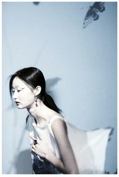 we still recall the moss color into the curtain, 犹记苔色入帘青, photographer Xu Xi, model Ji Lili lohas magazine