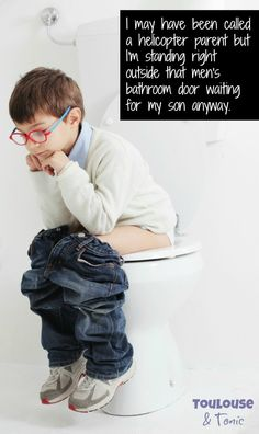 Little boys in the men's room: what to do when your son doesn't want to go into the ladies' room with you anymore. This is a really good solution! | raising boys | parenting @toulousentonic