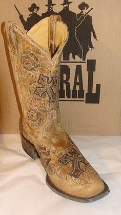 corral boots...I would so love to have these