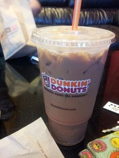 mocha iced latte with cream and sugar :) Iced Mocha Coffee, Iced Coffee At Home, Iced Latte, Best Dunkin Donuts Drinks, Dunkin Donuts Recipe, Starbucks Menu, Caramel Latte, Coffee Recipes, Gifts