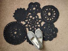 Happy Lizard Hill: Crochet Tarn Bath Rug