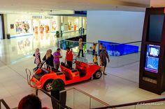 O Dubai Mall é tão grande que oferece até um serviço de taxi interno. Pago, naturalmente.
