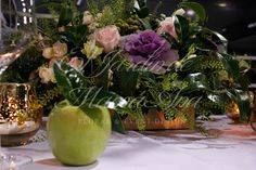 La manzana de la Tentación. El Jardín de Mamá Ana en Fiesta y Boda 2013. Centro de flor en mesa. Floral centerpiece. Www.eljardindemamaana.com Www.facebook.com/eljardindemamaana.com