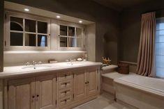 Bourgondisch Kruis - Rustieke bouwmaterialen - Realisaties - Badkamer Bathrooms, Vanity, Shower, Interior, Design, Decor, Dressing Tables, Rain Shower Heads, Powder Room