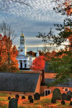 A quintessential New England Scene of Fall Foliage in the town of Concord… Great Places, Places To Go, Beautiful Places, Concord Massachusetts, Massachusetts Tattoo, New England Fall Foliage, Fall In New England, October Country, New England States