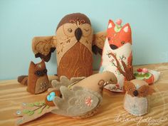 Beautiful foresty felt crafts from Aimee ray.