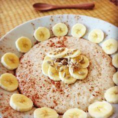 Mingau de aveia com banana, canela e sementes de girassol