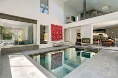 INTERIORES POR CELIA DE COCA swimming pool inside Jacuzzi, Spa, Kitchen Island, House Styles, Florida, Home Decor, Bay Windows, Style At Home, Luxury Houses