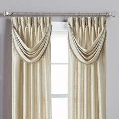 The striking Spellbound Pinch-Pleat Crescent Valance coordinates with the Spellbound window panel bringing a polished look to your windows and your room. Made of polyester, the treatment effortlessly upgrades the decor in your home. Tuscan Style Bedrooms, Tuscan Style Homes, Drapes And Blinds, Drapes Curtains, Valances, Ideas Armario, Vintage Industrial Decor, Home Remodeling Diy, Mediterranean Home Decor