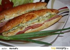 Pizza rohlík Hot Dog Buns, Food Dishes, Hamburger, Foodies, Sandwiches, Recipies, Toast, Food And Drink, Pizza