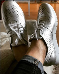 Street Style | Bullboxer shoes from instagram @ korpel10 #silver #sneakers #perforated #silver shoes #metallic #metallicshoes #metallictrend #shiny #sporty #blogger #style