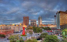 """""""SAN ANTONIO: MUCHOS PARAÍSOS EN UNO """"...San Antonio: Muchos paraísos en uno... En cualquier época del año, San Antonio está listo para mostrarte el lado fresco del Viejo Oeste; pide a tu agente de viajes que te…"""