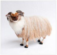 Kiyoshi Mino // Needle Felted Wool Animals of all sorts Amazing detail!