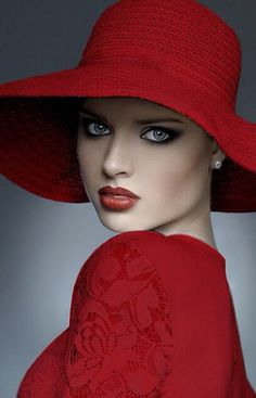Fascino Busto Fashion,Beauty,Landscape,Home Designe,Sexy Girls. Foto Fashion, Red Fashion, Beauty And Fashion, Glamour Photo, Simply Red, Fancy Hats, Love Hat, Red Hats, Shades Of Red