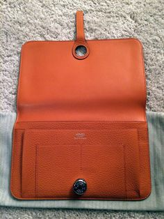 Hermes Wallet (Men s Pre-owned Dogon Orange Calfskin Lambskin Lining with  Removable Zip Coin Purse Designer Wallet) 7ca65de66240b