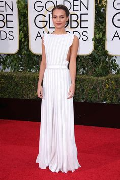 Golden Globes Best Dressed 2016: Alicia Vikander Proves That an Apron Dress Can Win on the Red Carpet