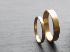 18ct Yellow Gold Wedding Band Set, Two Wedding Rings, 2mm x 1.3mm Womens Ring, 4mm x 1.3mm Mens, Brushed Finish, Custom Size